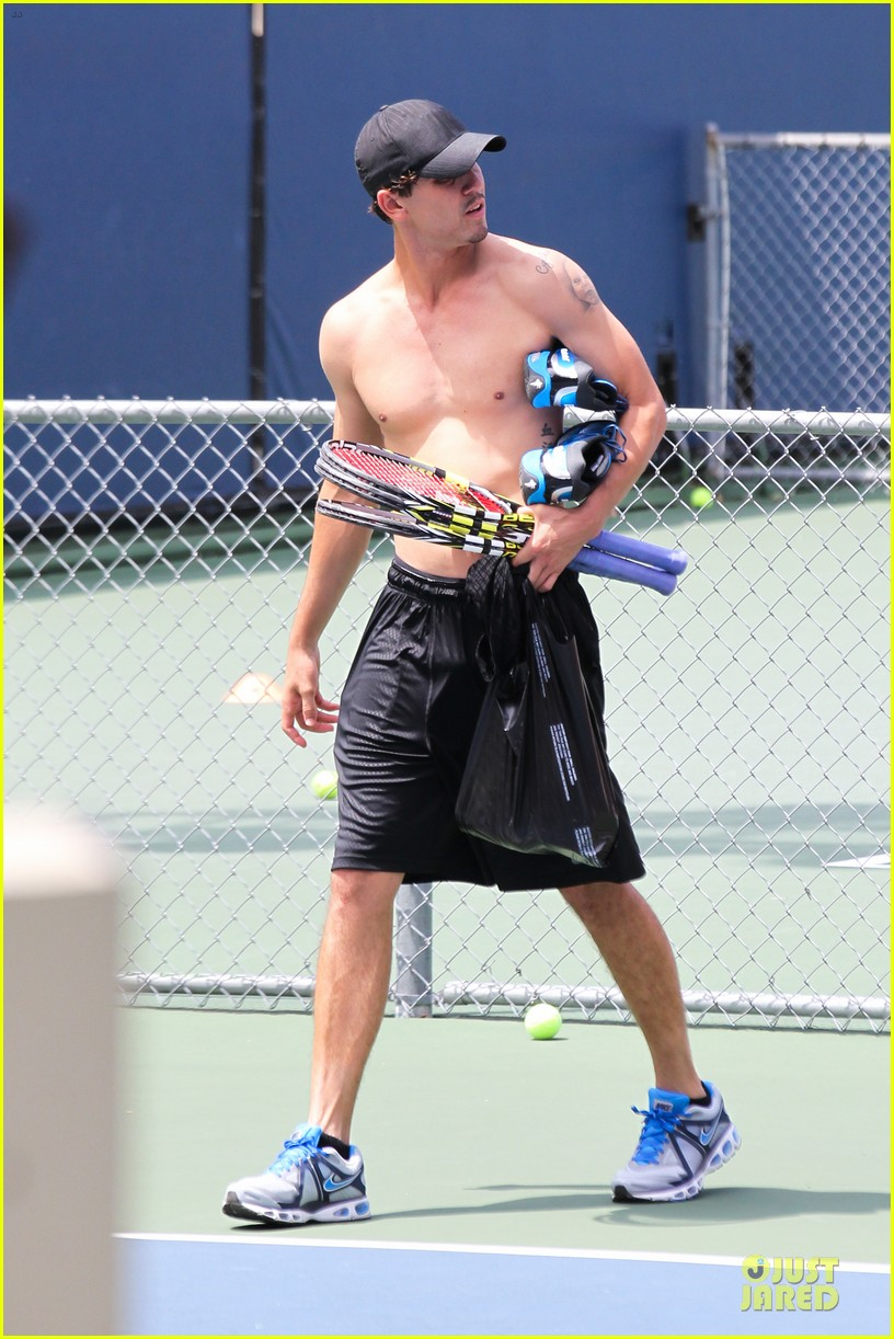 kaley cuoco tennis with shirtless mystery man 182922858