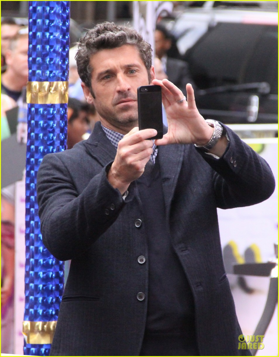 patrick dempsey moves fall fashion issue cover party 092938691