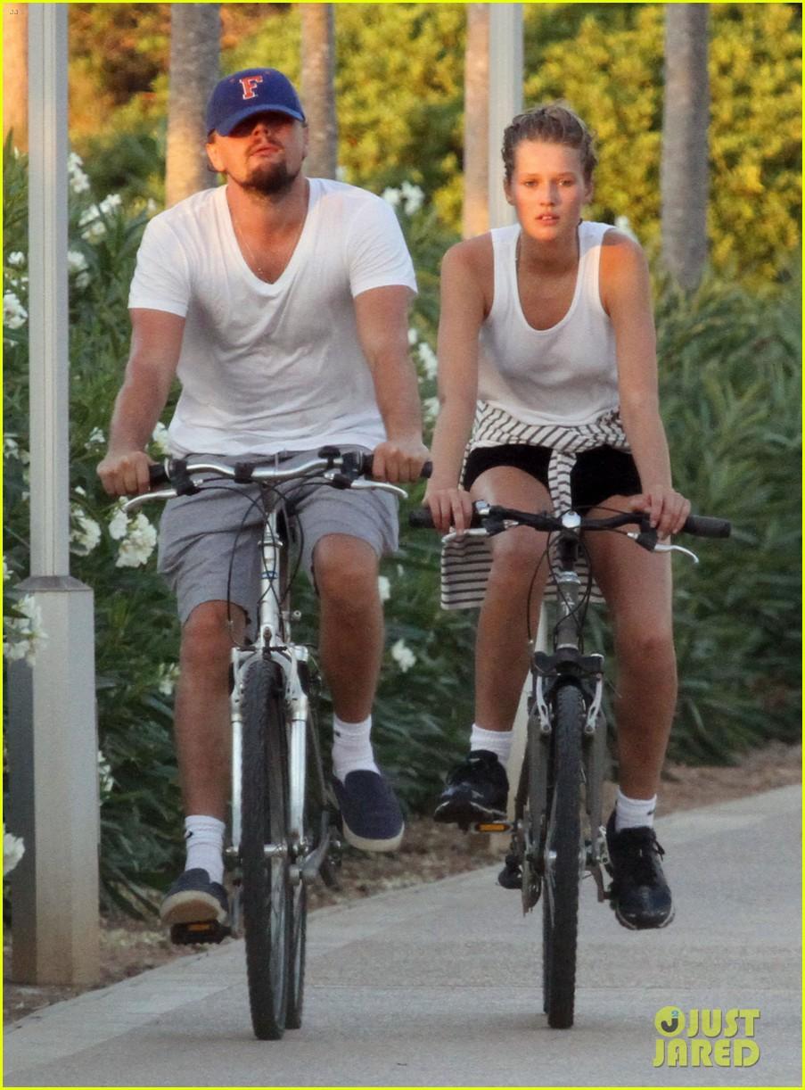 leonardo dicaprio toni garrn ride bikes together in spain 152930854