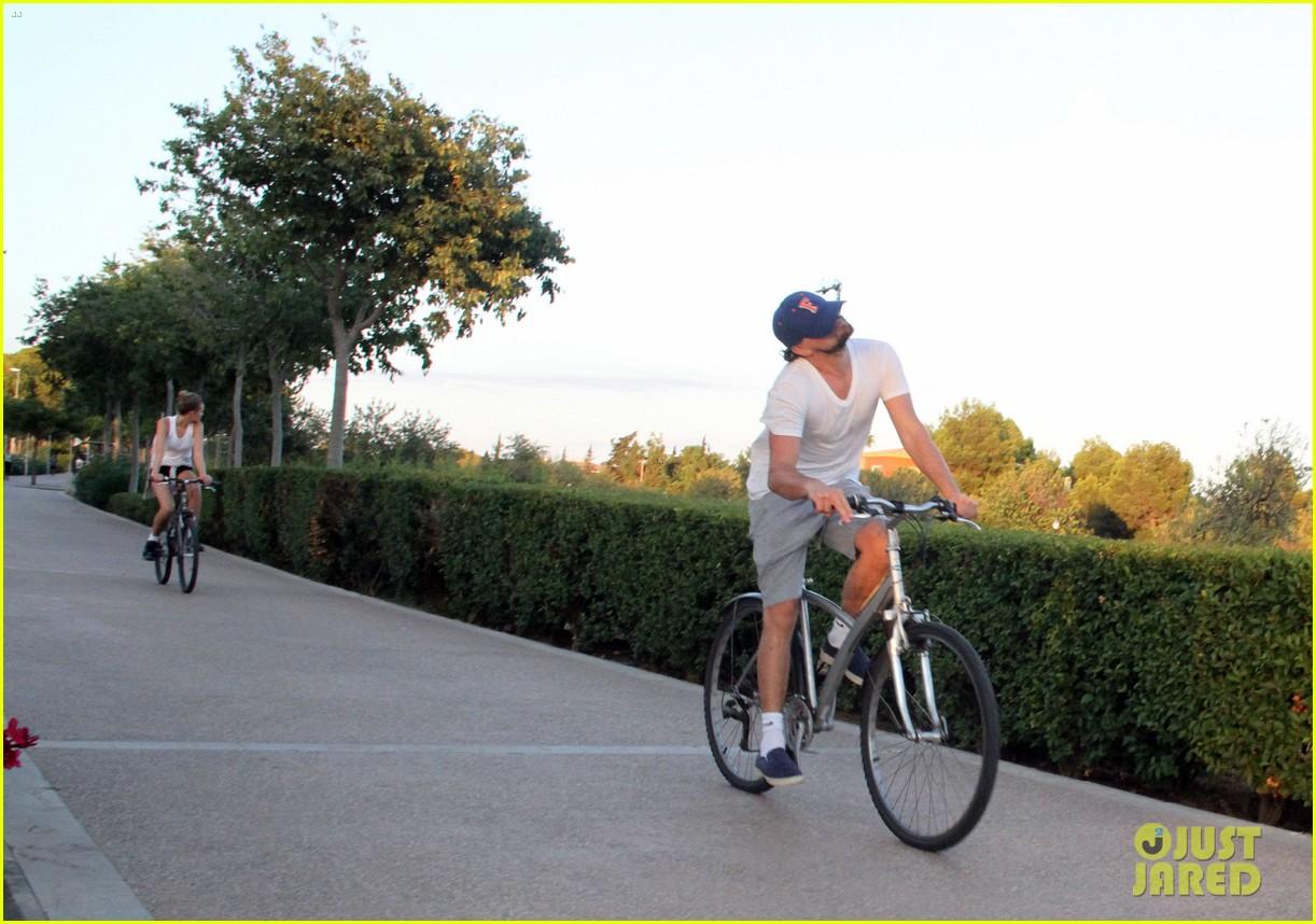 leonardo dicaprio toni garrn ride bikes together in spain 192930858