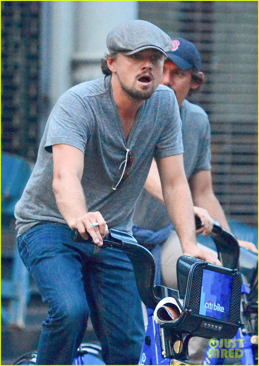 leonardo dicaprio citibike ride with lukas haas 042935758