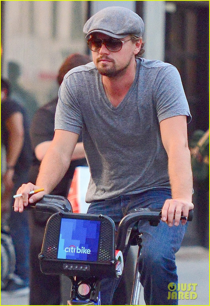 leonardo dicaprio citibike ride with lukas haas 152935769