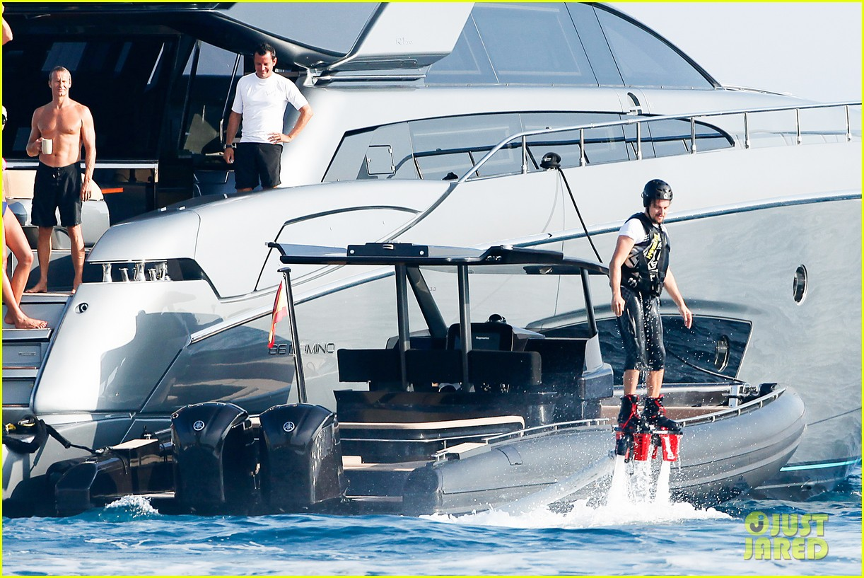 leonardo dicaprio goes shirtless after flyboarding in ibiza 132925567