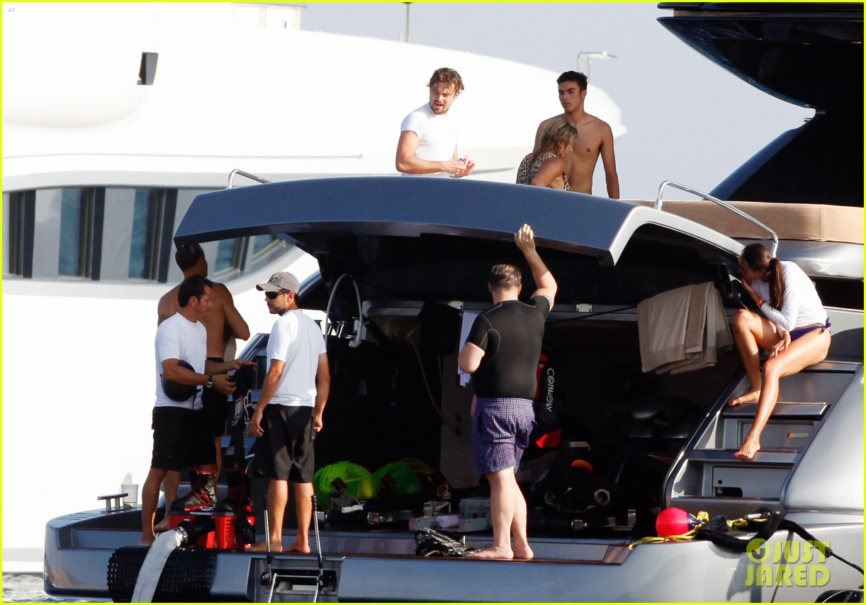 leonardo dicaprio goes shirtless after flyboarding in ibiza 15