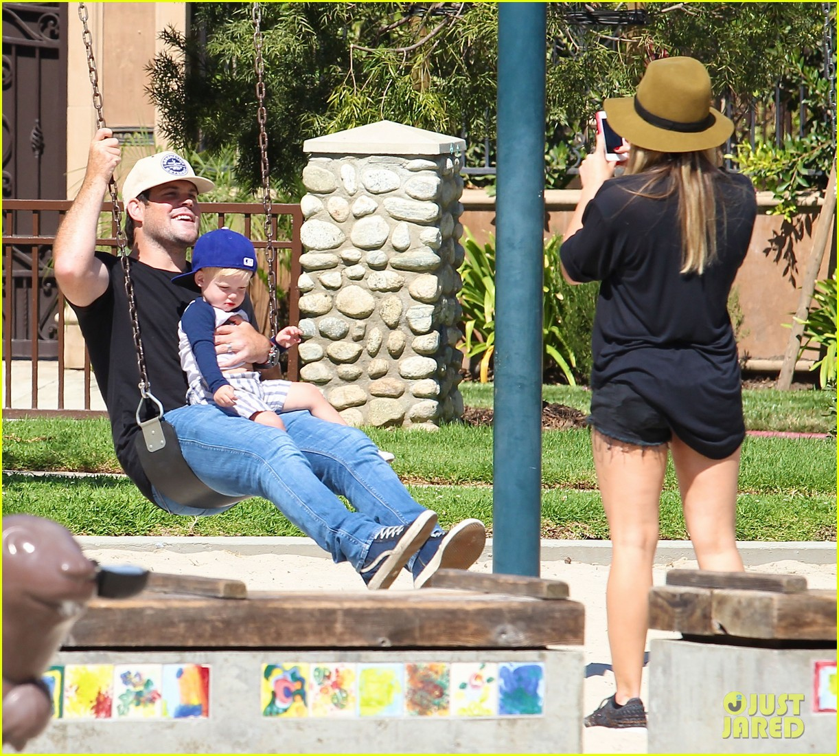 hilary duff mike comrie park day with luca 192939422