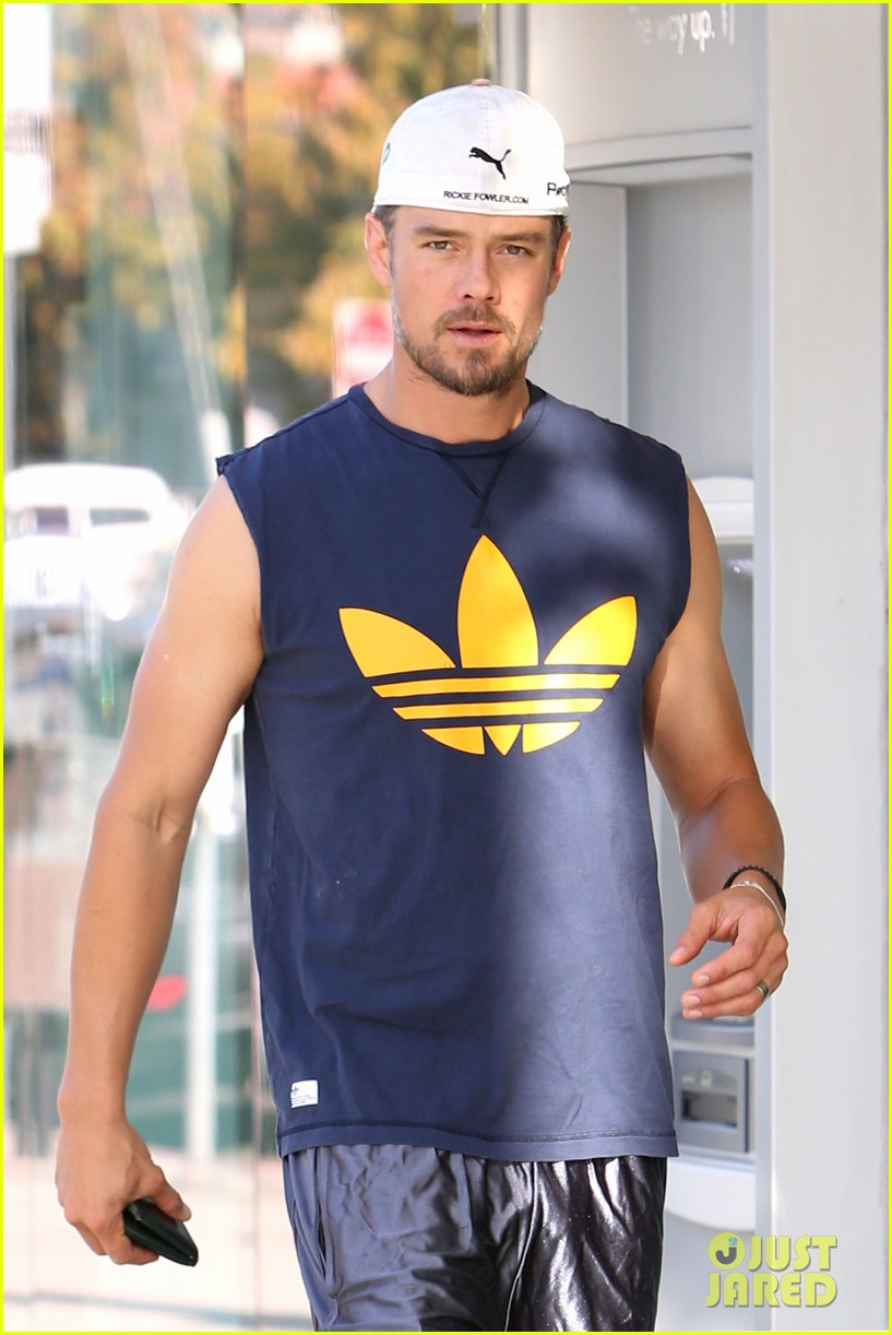josh duhamel fergie i have baby bag ready for birth 022935564