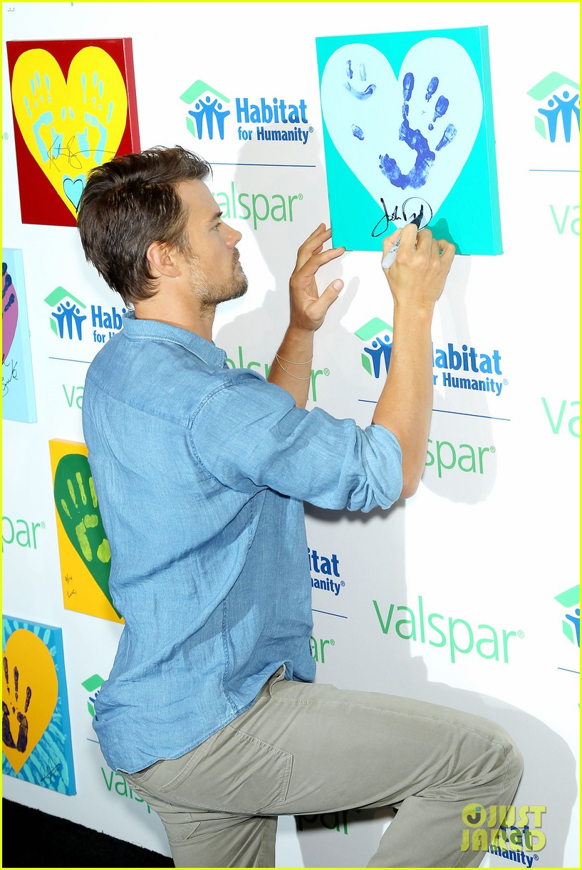 josh duhamel lends a helping hand at valspar charity event 032933451