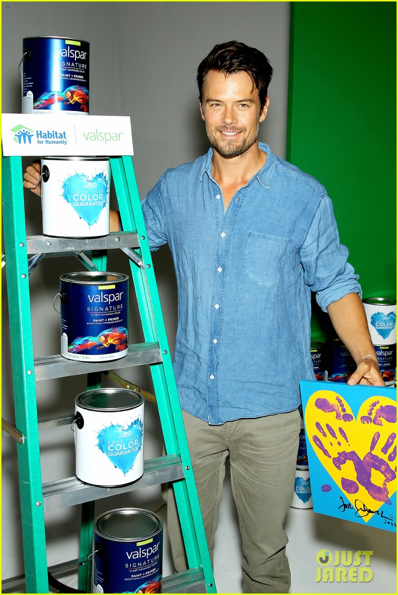 josh duhamel lends a helping hand at valspar charity event 182933466