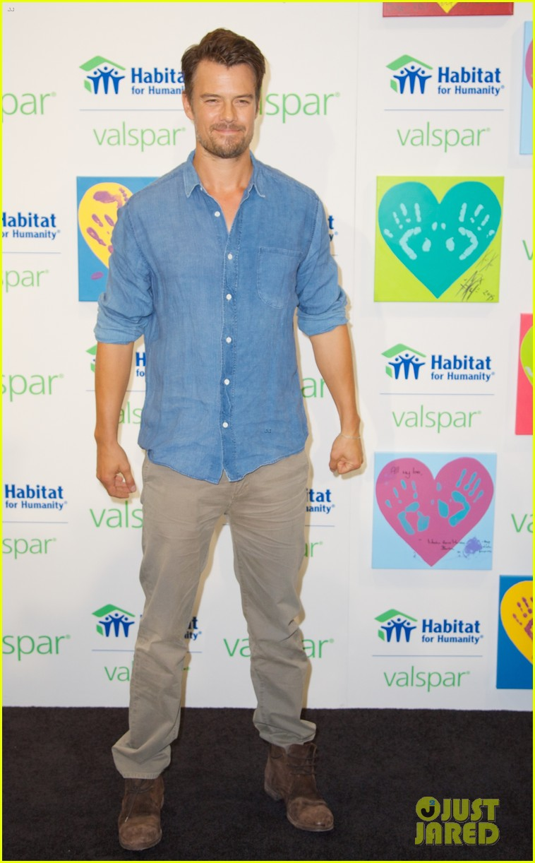 josh duhamel lends a helping hand at valspar charity event 222933470