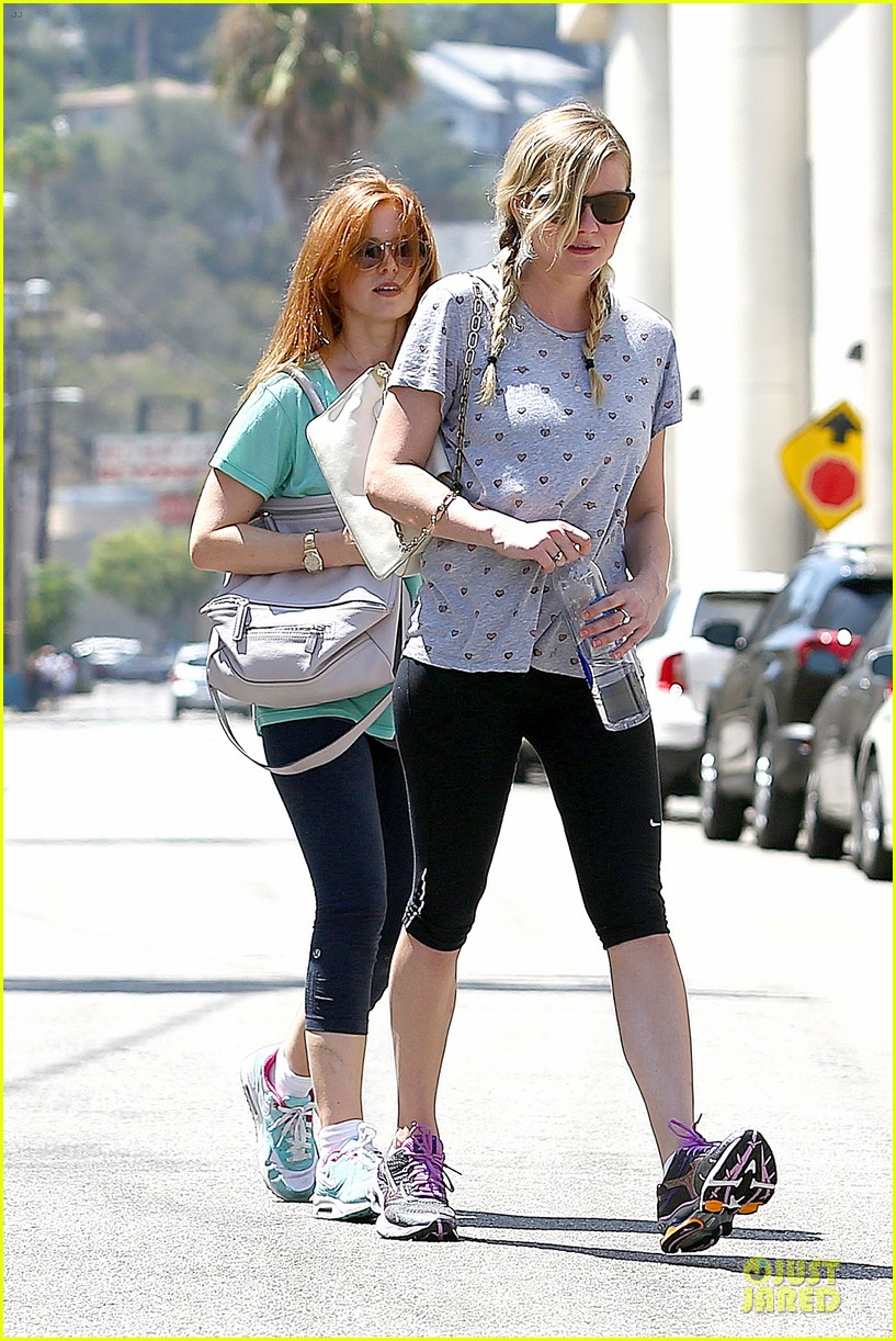kirsten dunst isla fisher gym workout buddies 062933776