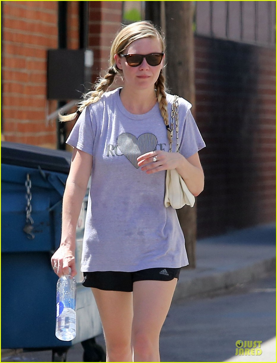kirsten dunst hearts friday workouts 042931842