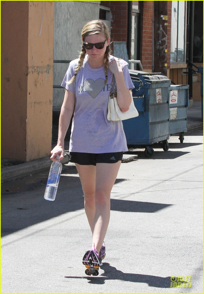 kirsten dunst hearts friday workouts 232931861