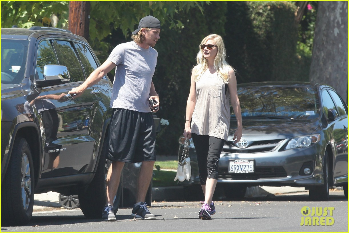 kirsten dunst garrett hedlund workout wednesday 04
