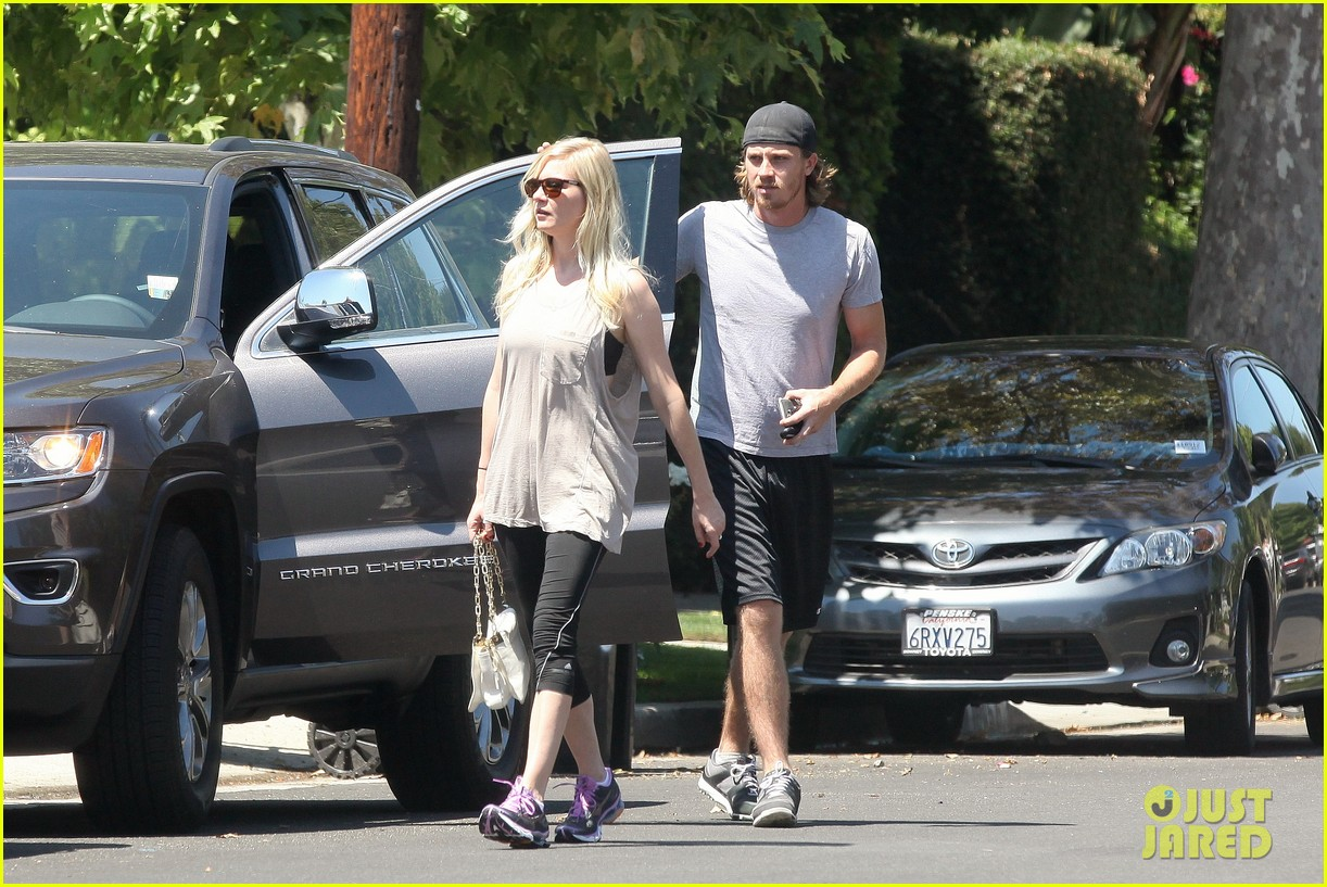 kirsten dunst garrett hedlund workout wednesday 152934970