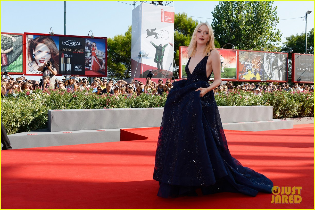 dakota fanning jesse eisenberg night moves venice premiere 152941201