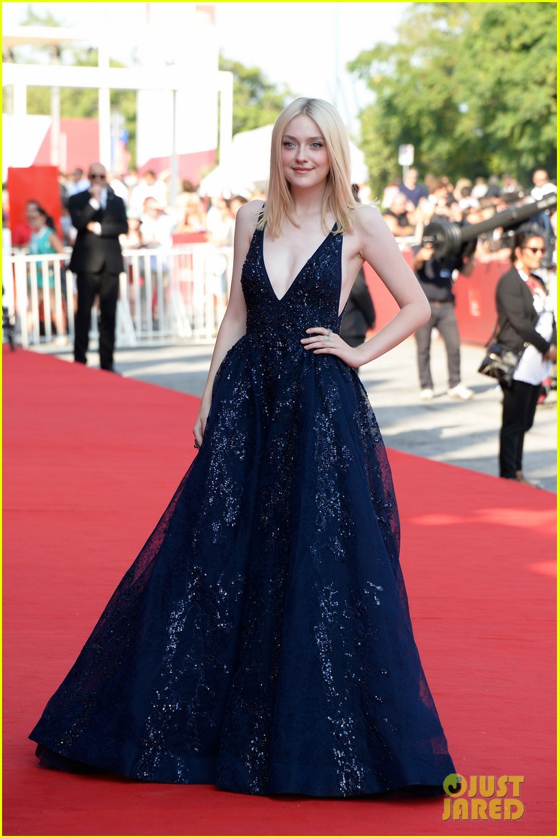 dakota fanning jesse eisenberg night moves venice premiere 18