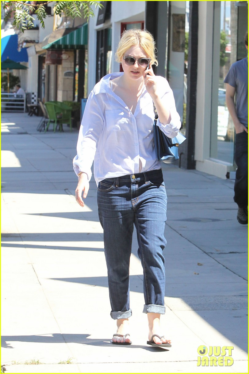dakota elle fanning separate studio city outings 012940145