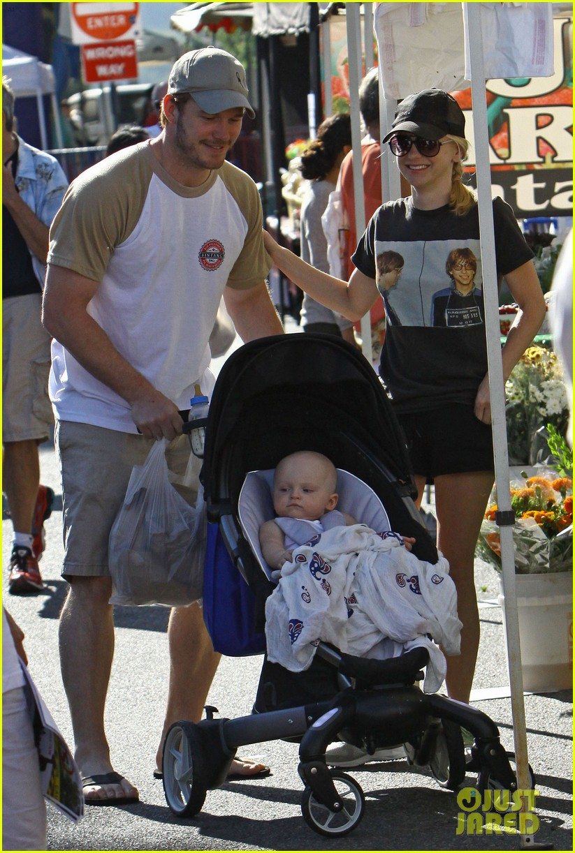 anna faris chris pratt celebrate son jack first birthday 152938431