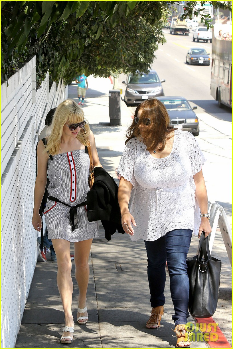 anna faris being a mom creates different priorities 102929270