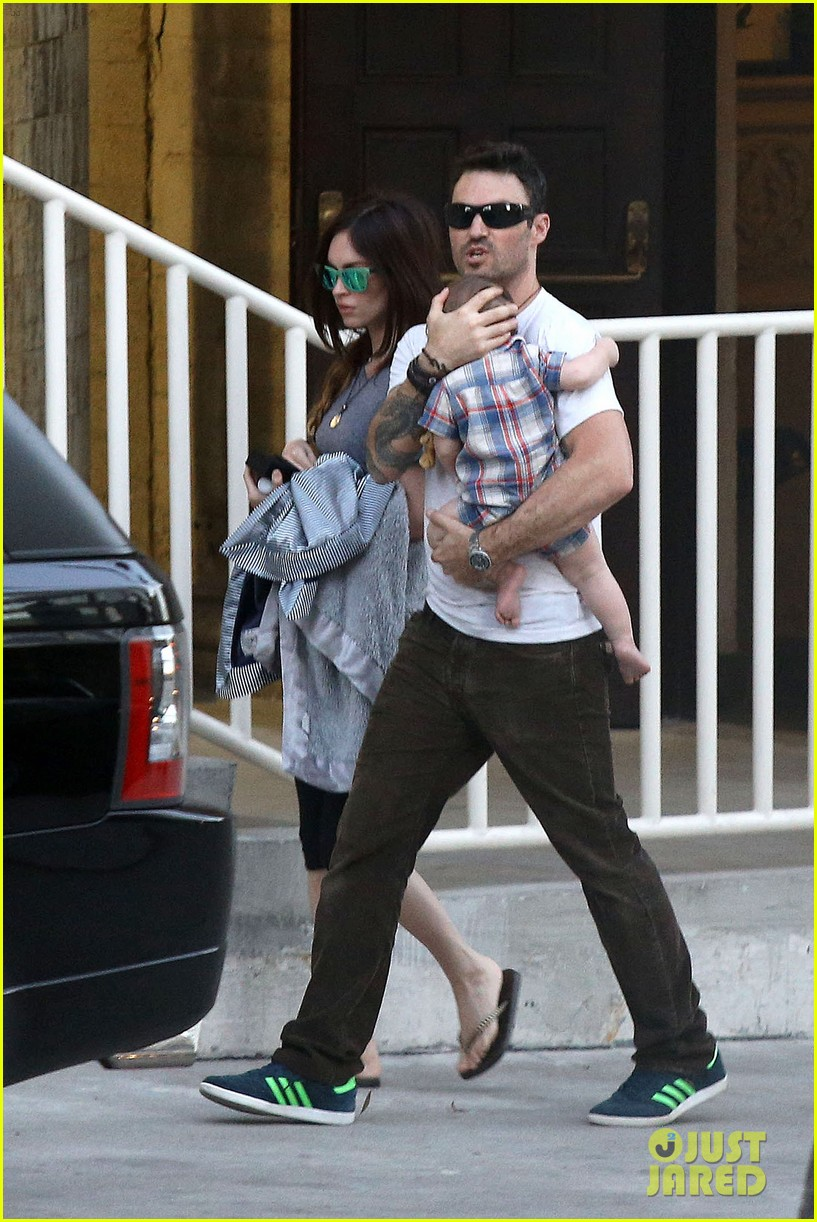 megan fox brian austin green sunday lunch with baby noah 052938129