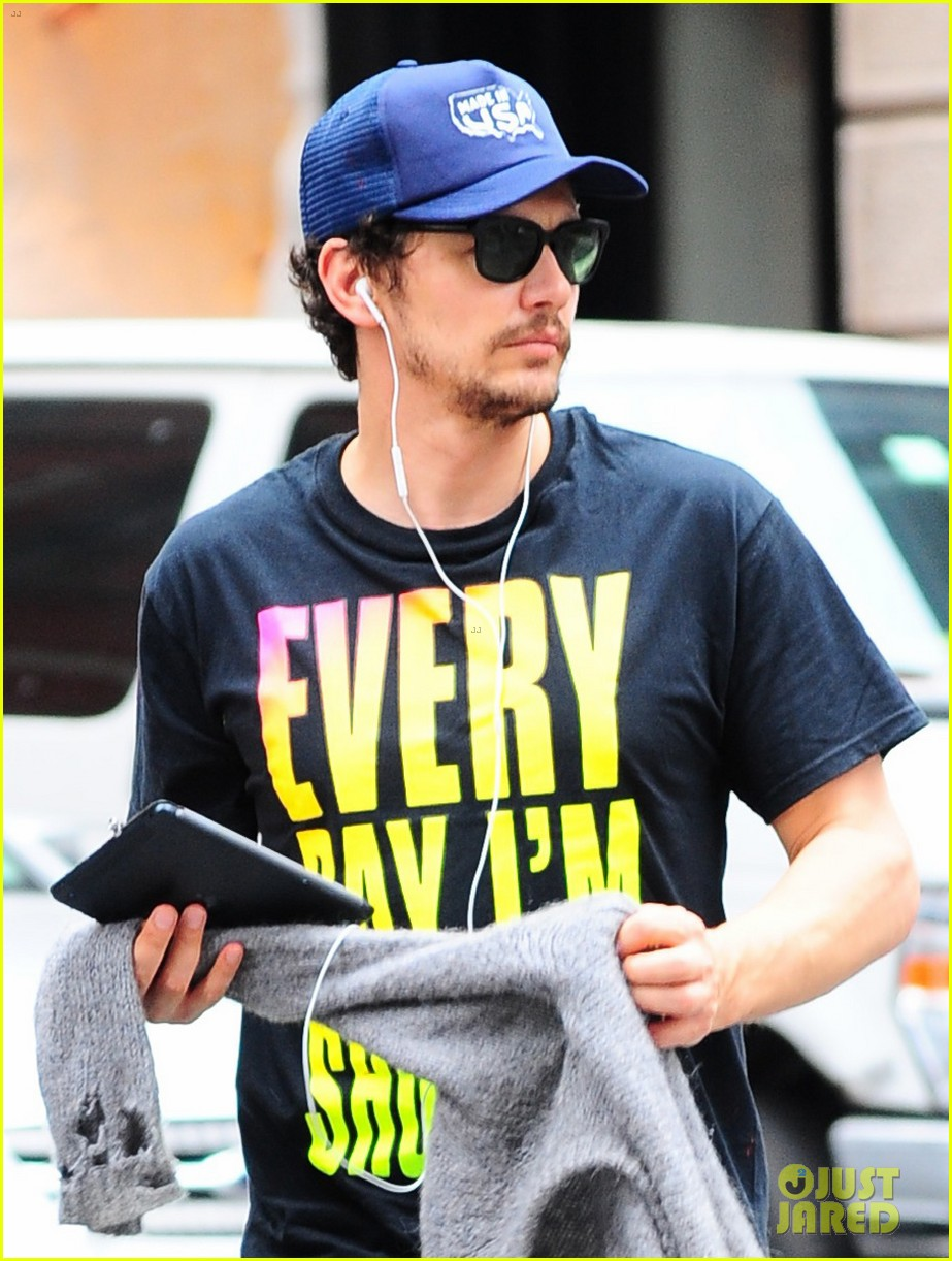 james franco plays with paint in new york city 012925779