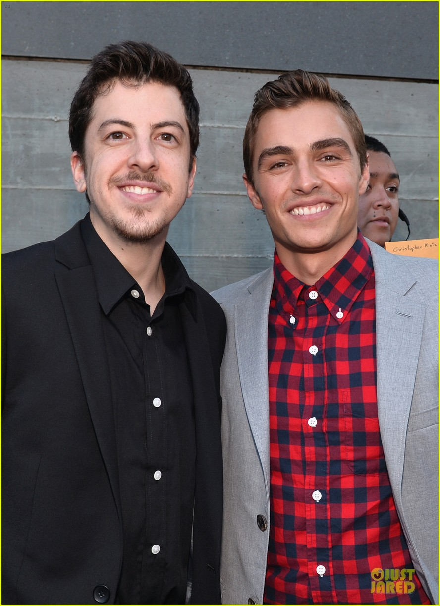 dave franco honored by christopher mintz plasse at young hollywood awards 02