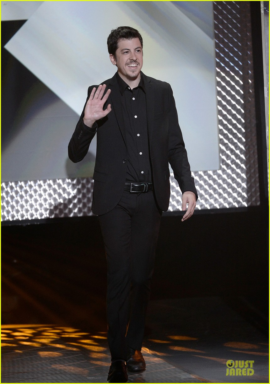 dave franco honored by christopher mintz plasse at young hollywood awards 052921786