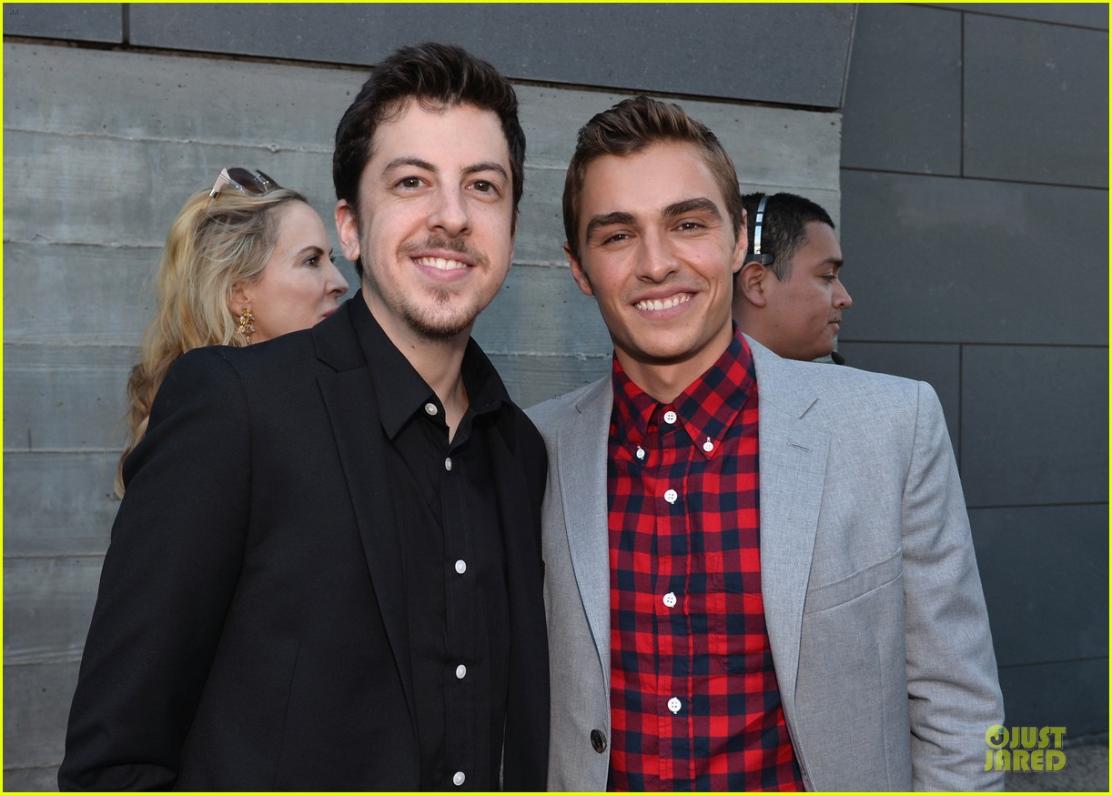 dave franco honored by christopher mintz plasse at young hollywood awards 102921791