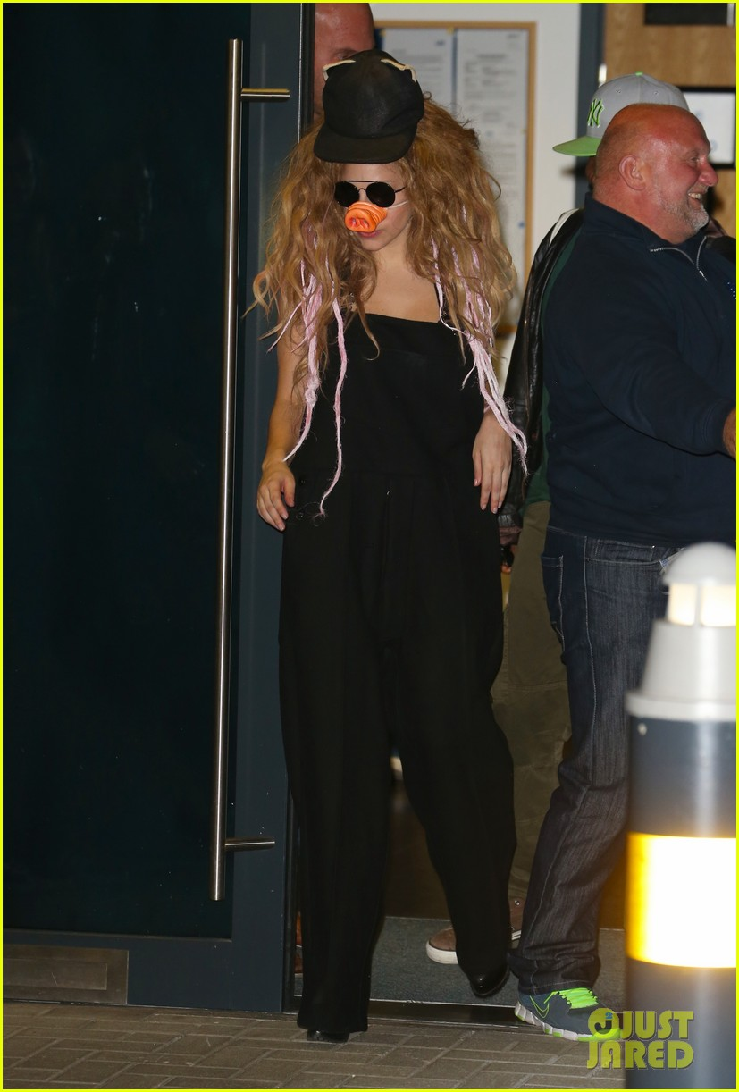 lady gaga wears pig nose at london rehearsal studio 012940917
