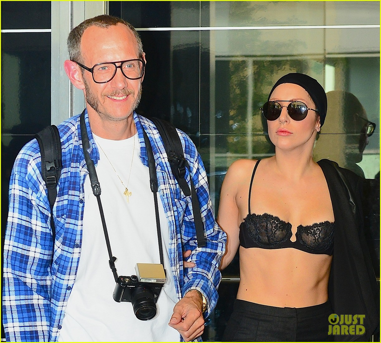 lady gaga wears bra at rehearsal with terry richardson 042936959