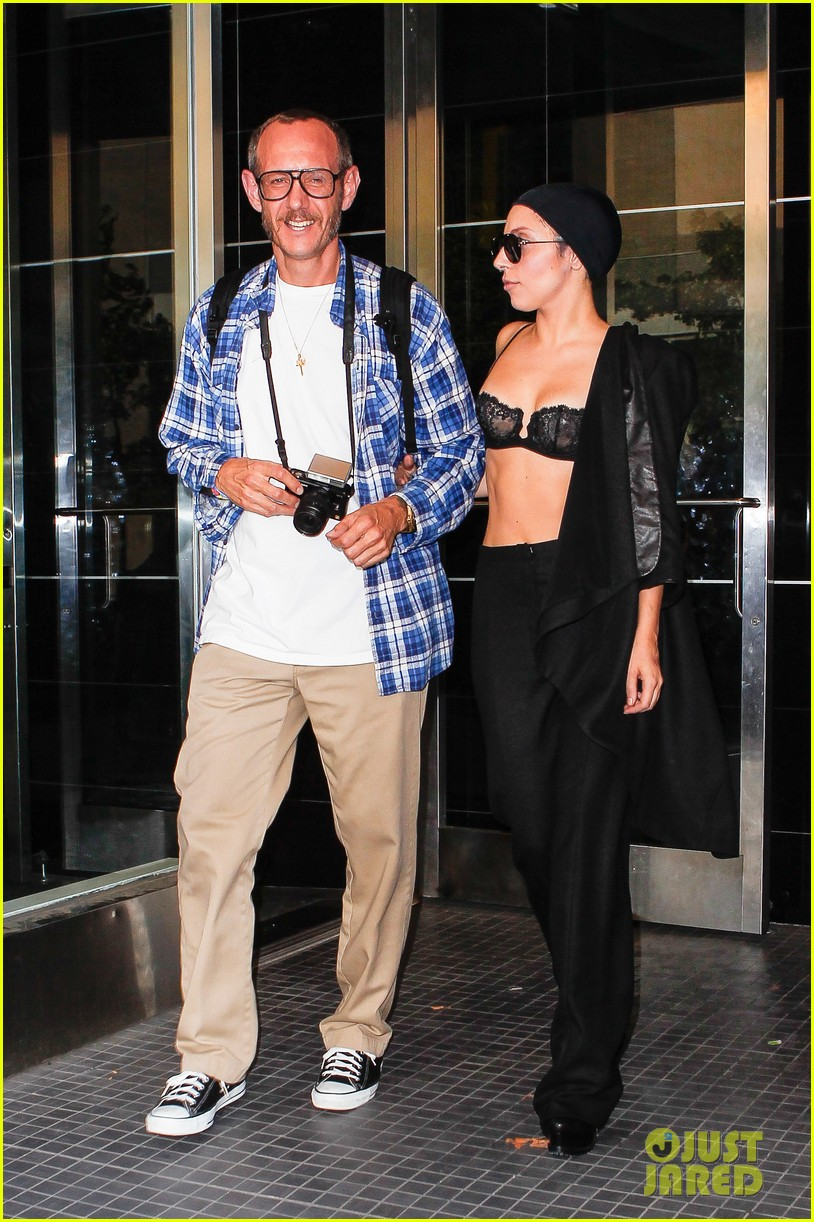 lady gaga wears bra at rehearsal with terry richardson 052936960