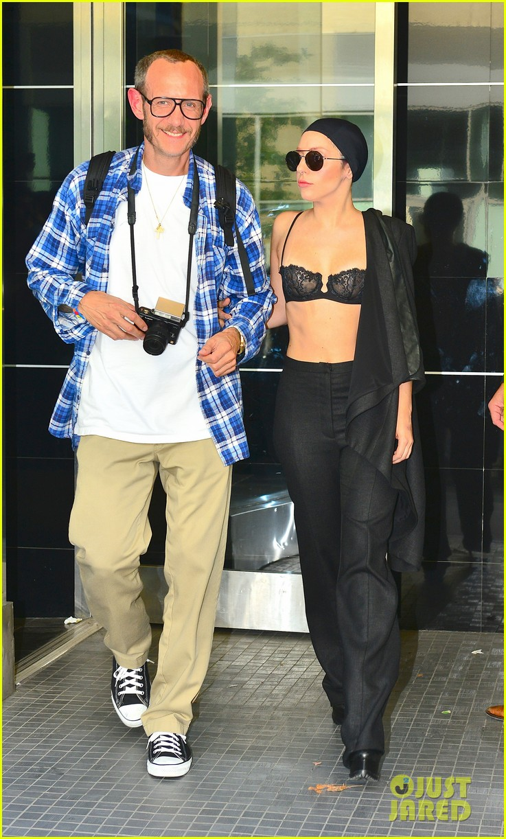 lady gaga wears bra at rehearsal with terry richardson 072936962