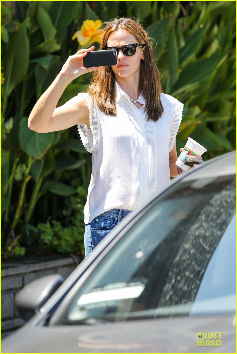 jennifer garner seraphina ballet pickup after lunch with violet 022926999
