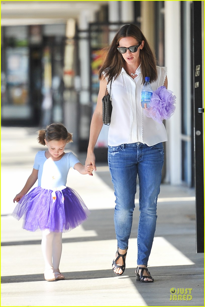 jennifer garner seraphina ballet pickup after lunch with violet 16