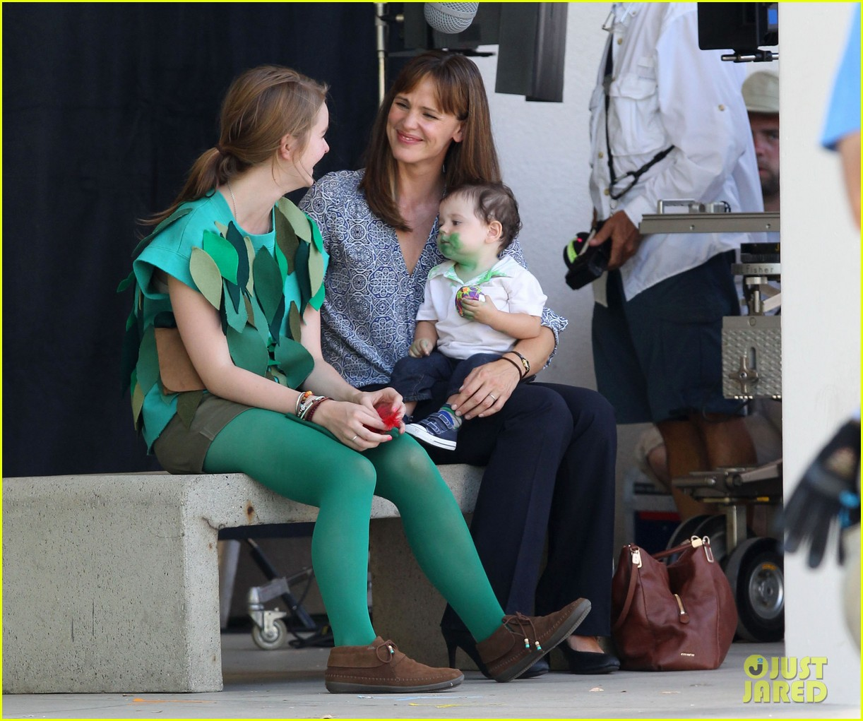 jennifer garner shows off brand new bangs 092935366