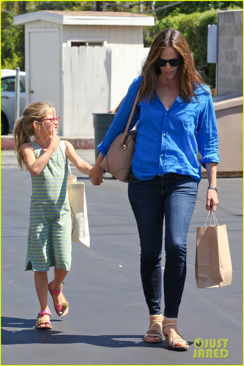 jennifer garner runs errands with violet seraphina 282925336