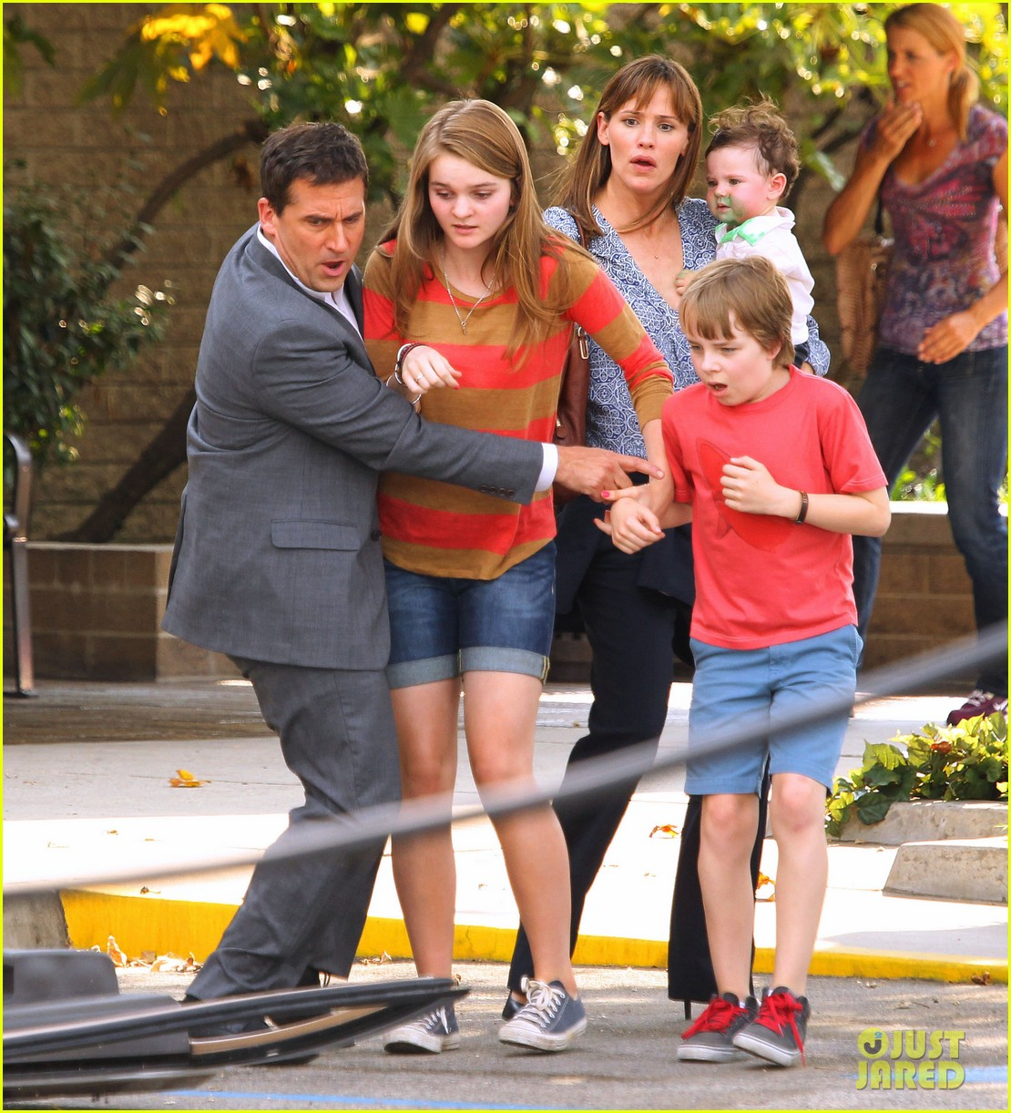jennifer garner steve carell family freakout for alexander 032938741