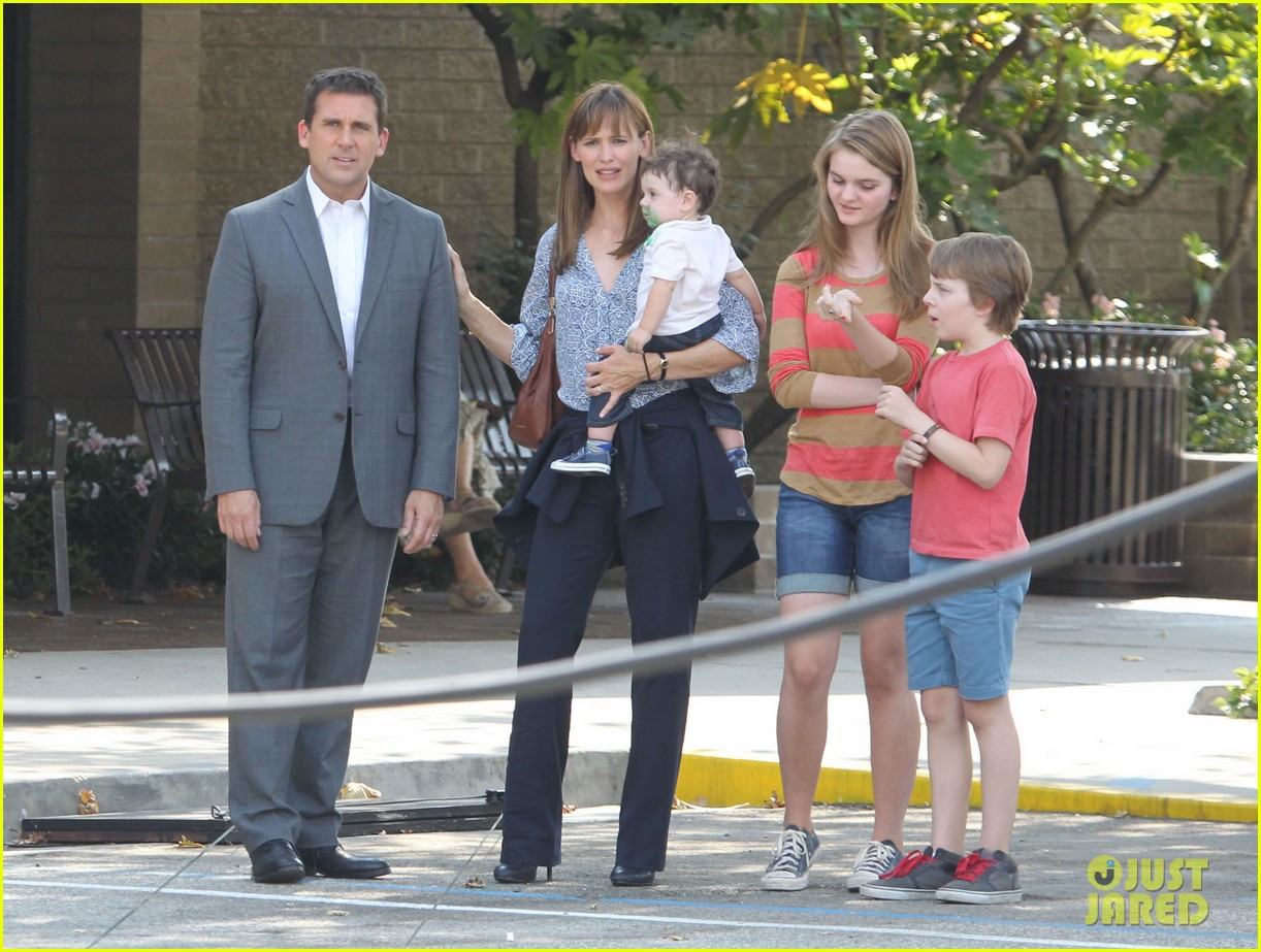 jennifer garner steve carell family freakout for alexander 132938751