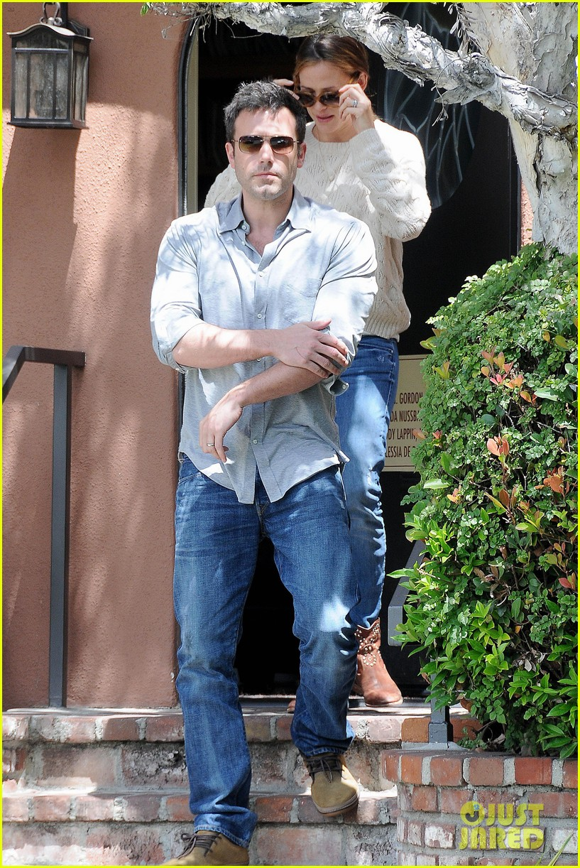 jennifer garner ben affleck share romantic weekend lunch 062932293