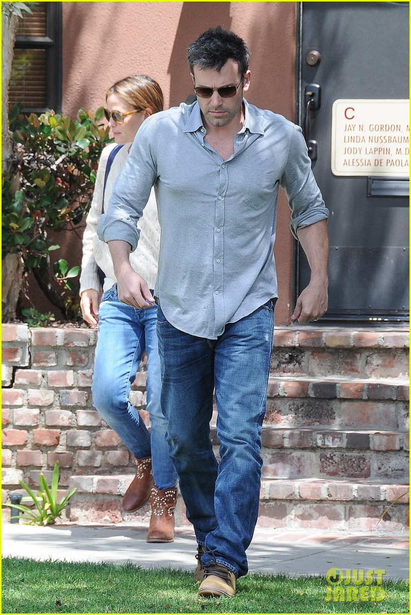 jennifer garner ben affleck share romantic weekend lunch 132932300