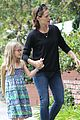 jennifer garner supports paparazzi law to protect children 09