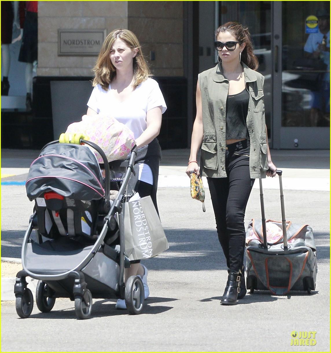 selena gomez bonds with baby sister gracie 152927448
