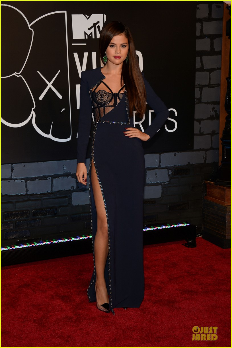 selena gomez wins best pop video at vmas 2013 03