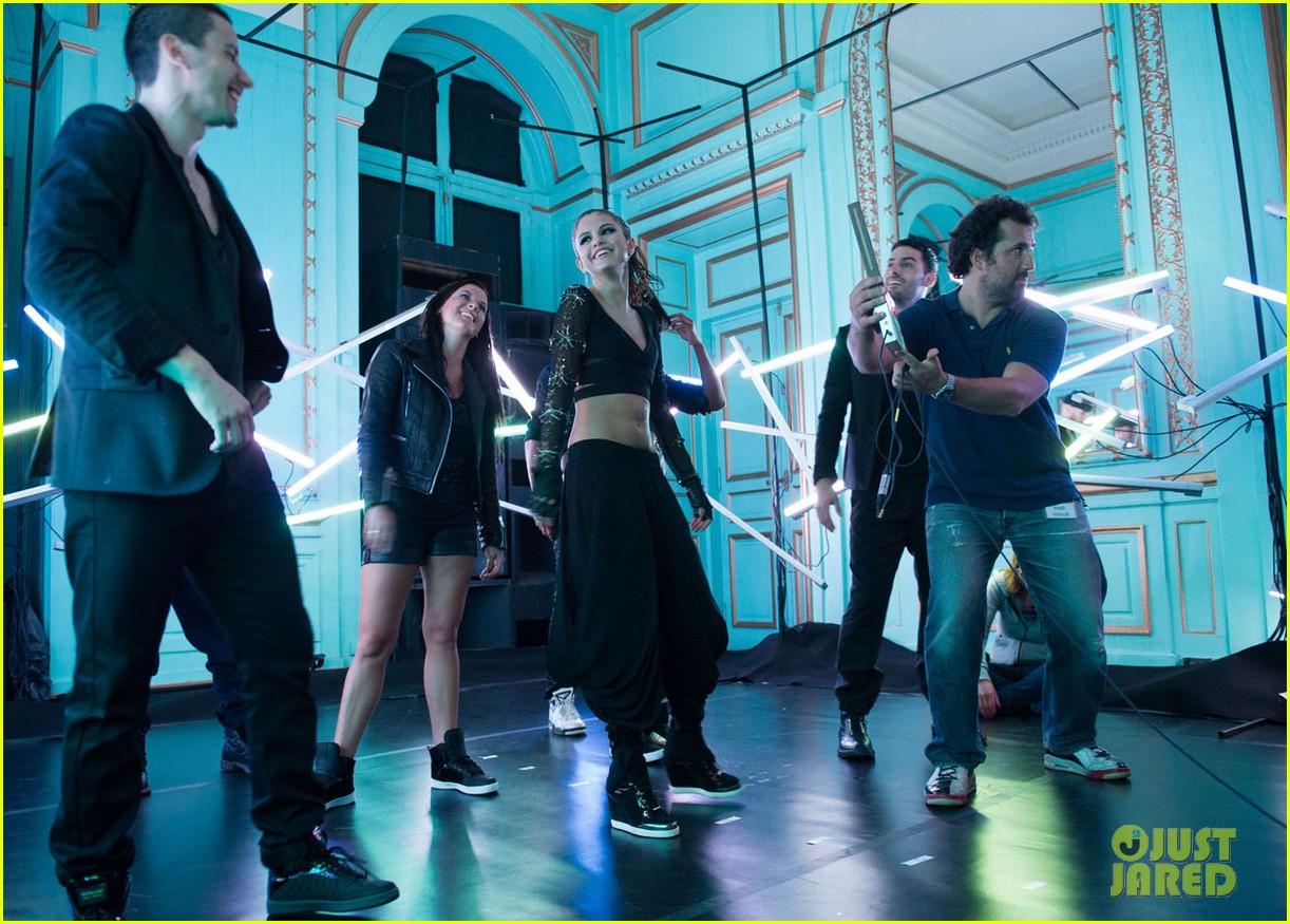 selena gomez slow down music video pics 102924791