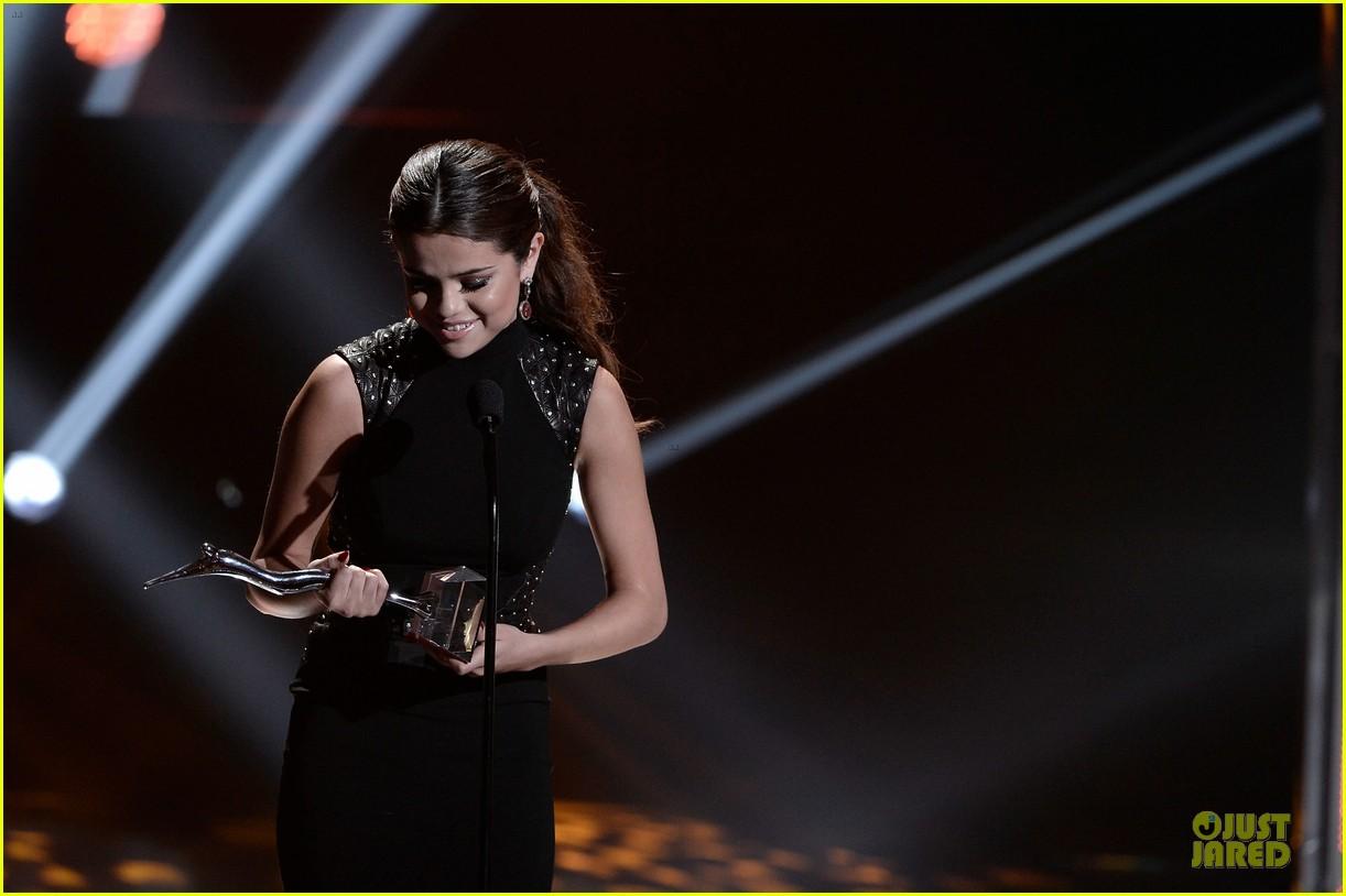 selena gomez young hollywood awards 2013 honoree 062921779