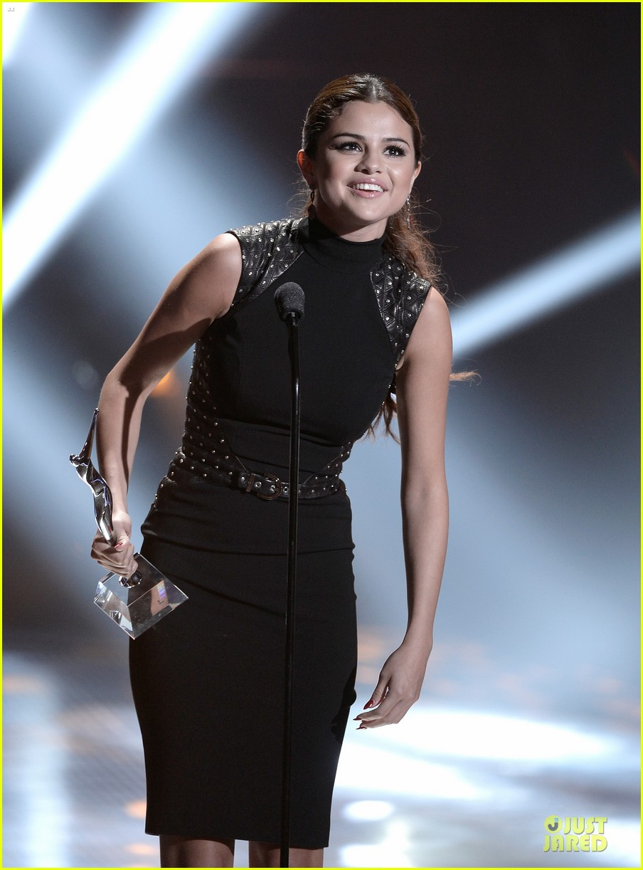 selena gomez young hollywood awards 2013 honoree 082921781
