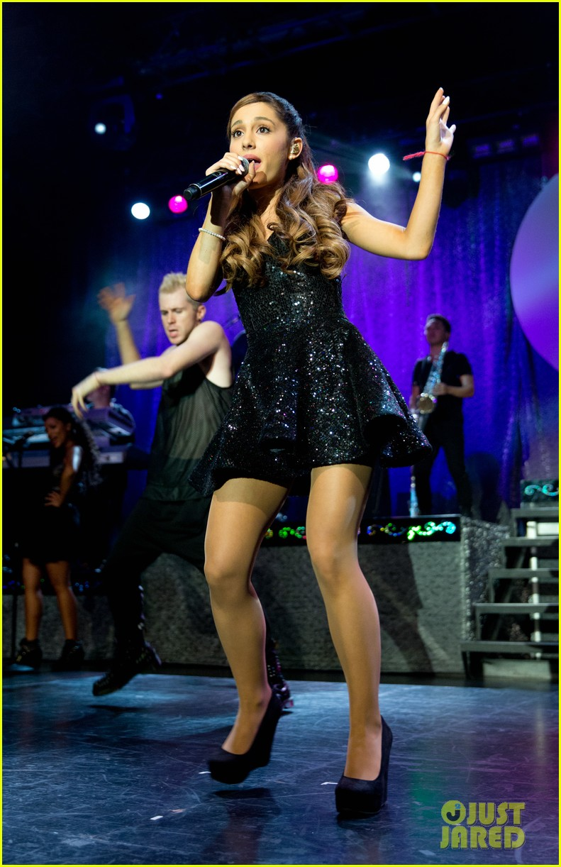 ariana grande the listening sessions in new york city 012930638