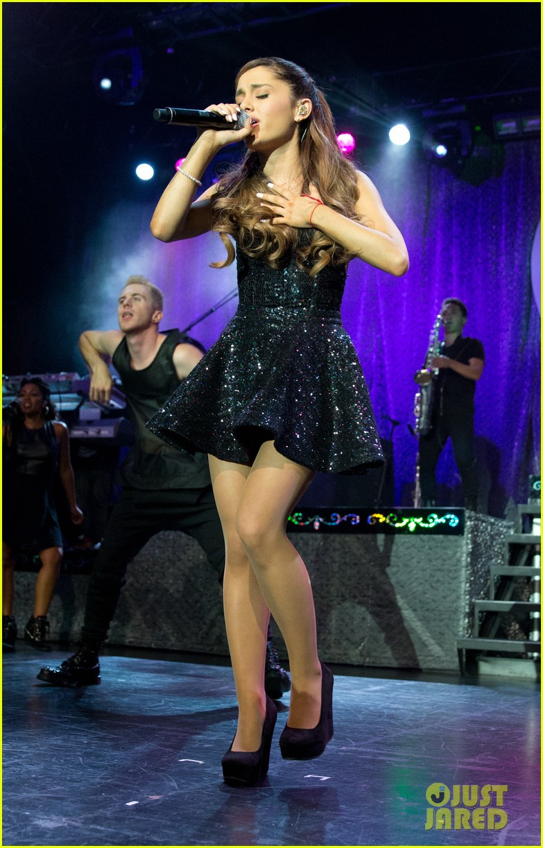 ariana grande the listening sessions in new york city 022930639