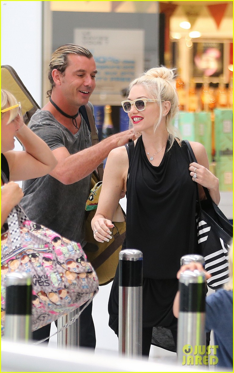 gwen stefani gavin rossdale back after paris vacation 172932951