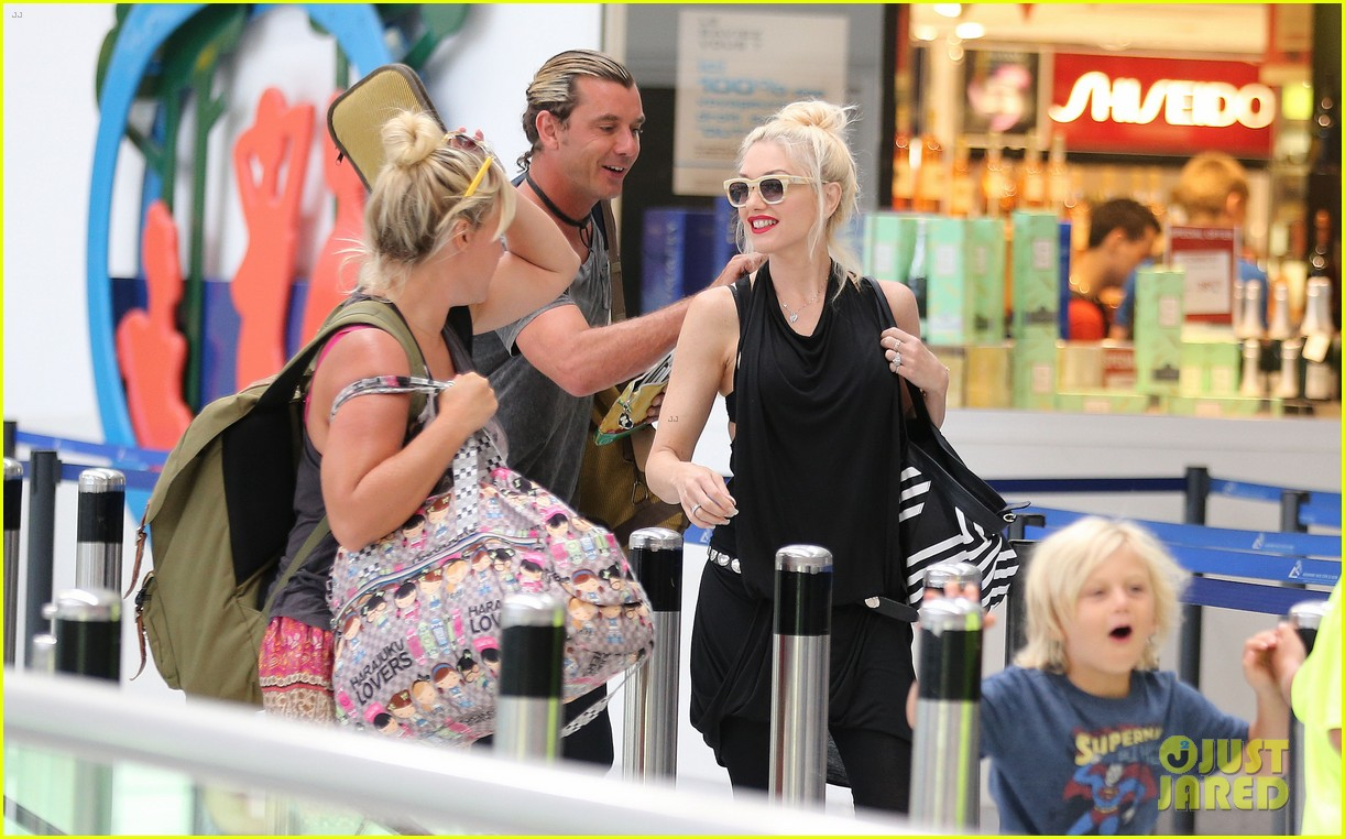 gwen stefani gavin rossdale back after paris vacation 342932968